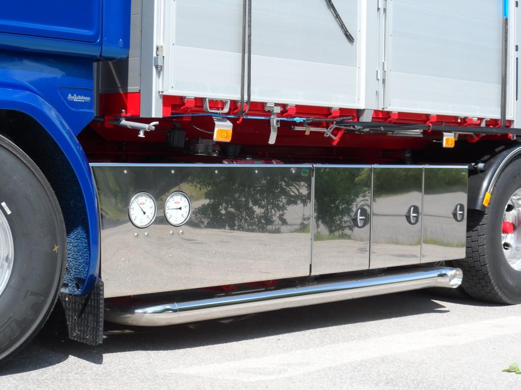 Scania 730 spegelblankpolerad